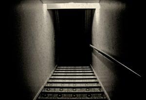 dark-basement-stairs-0